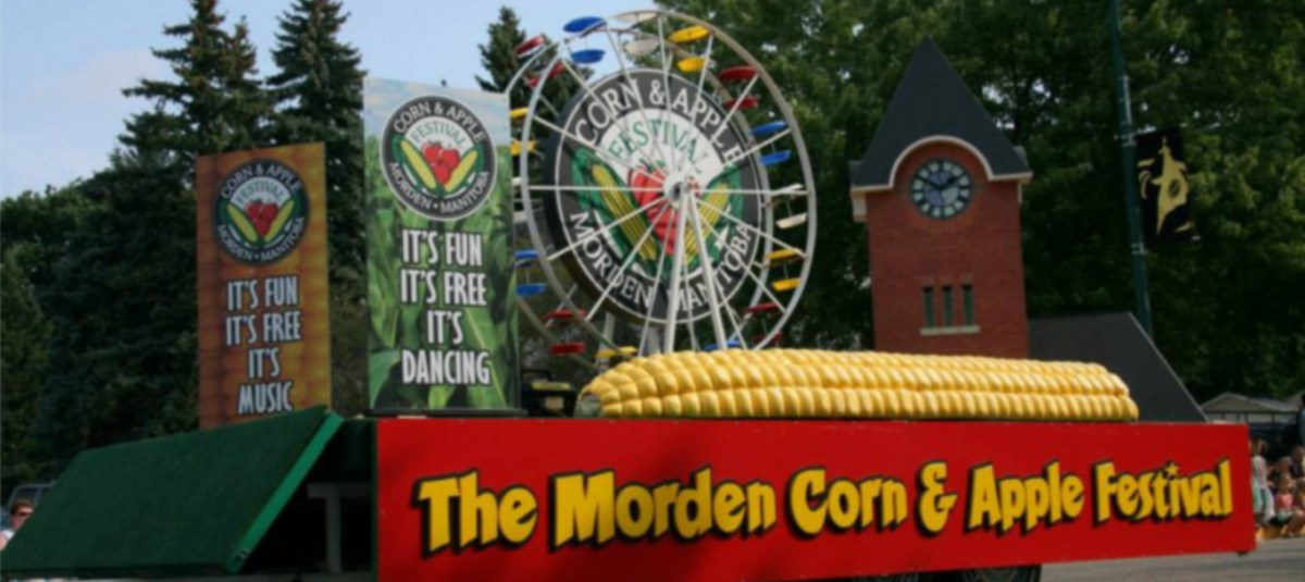 corn and apple parade float